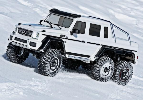 Mercedes-Benz G63 AMG 6x6 RTR ohne Akku/Lader inkl Licht 1/10 6WD Scale-Crawler Brushed weiß